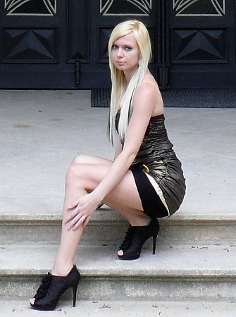 5) Šárka Kubešová, 22let, prodavačka, Votice
