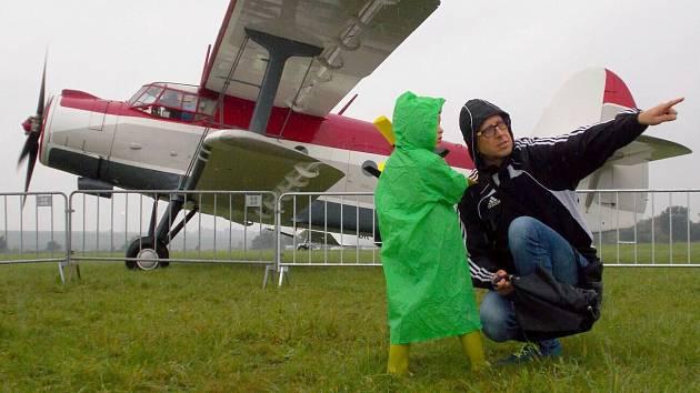 Letecký den 2019 na olomouckém letišti v Neředíně