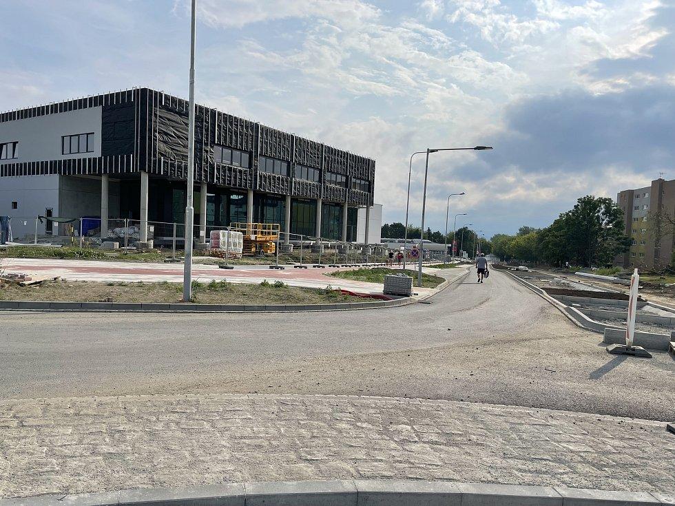 Nová křižovatka a hypermarket na Tabuláku, 18. července 2021
