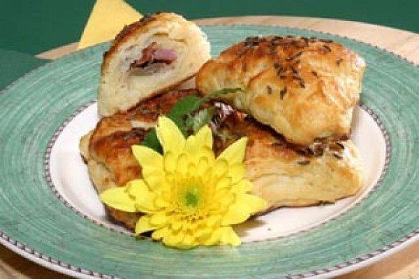 Bramborové pirožky plněné uzeným kuřecím masem