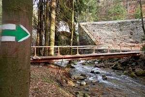 Most na nové turistické trase v okolí Branné