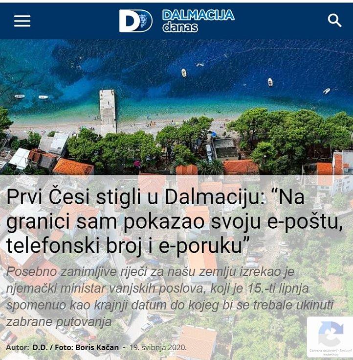 Dalmacija danas. Turistů z Olomouce na Makarské riviéře si všimla i místní média