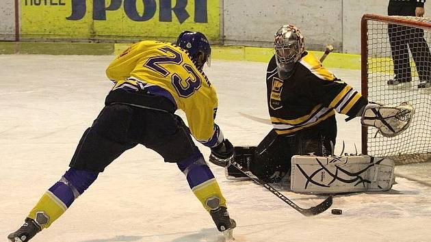 Hokejisté Šternberka v útoku