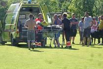 Incident na hřišti v Drahanovicích: rozhodčího po napadení hráčem domácích odvezla sanitka
