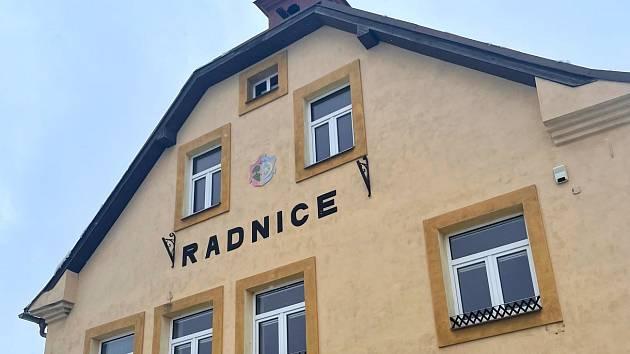 Radnice v Jívové. Ilustrační foto