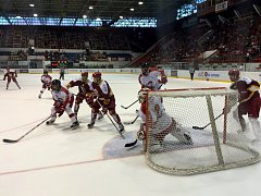 HC Olomouc – HC Dukla Trenčín 5:0 (2:0, 1:0, 2:0).