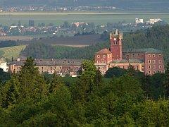 Mírov je známý po celé republice díky nejpřísnější české věznici v bývalém arcibiskupském hradě. Svou expozici věnovanou vězeňství představí při Dni mikroregionu i Vězeňská služba ČR.
