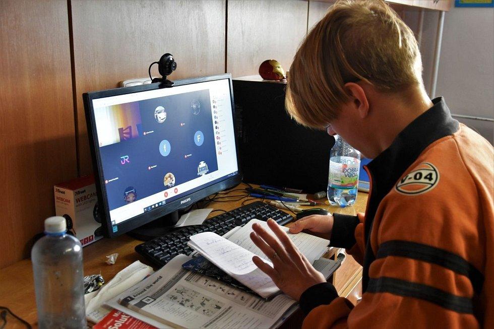 Online výuka v Dětském domově Olomouc, 20. 10. 2020