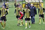 Fotbalisté Nových Sadů (ve žluto-černém) remizovali se Stráním 0:0.