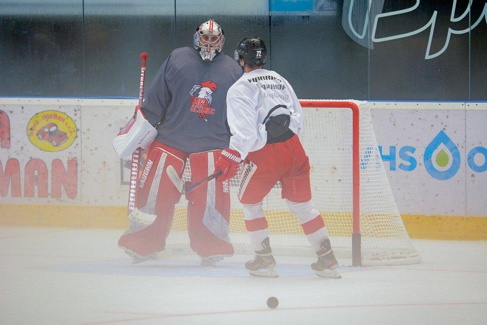 Olomoučtí hokejisté před novou sezonou absolvovali první trénink na ledové ploše.