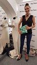 Hned pět kabelek věnuje letos do Kabelkového veletrhu Deníku olomoucká módní návrhářka Marta Musilová. Daruje kousky, které byly součástí jejích modelů na přehlídkovém molu. Do oblíbené benefice, která se  koná 4. října v olomouckém kině Metropol, za zapo