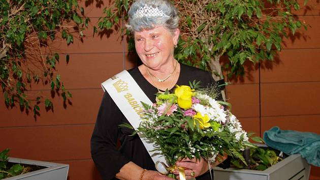 Babičkou roku 2019 Olomouckého kraje se stala Marie Záhorová ze Senice na Hané. Kprvenství jí pomohla hanáčtina a šikovné ruce