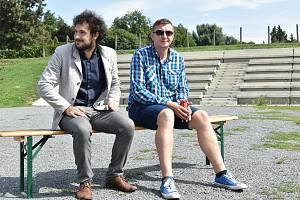 Ředitel Moravského divadla Olomouc David Gerneš (vlevo) a umělecký šéf činohry Roman Vencl