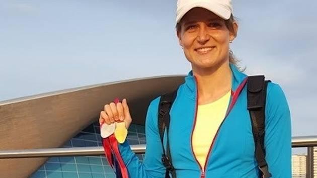 Životního úspěchu na Mistrovství Evropy Masters v Londýně dosáhla plavkyně Vendula Antošová z Olomouce. Na stometrové trati získala zlato.