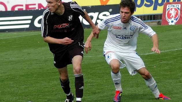Olomoucké derby: juniorka Sigmy (v bílém) proti HFK