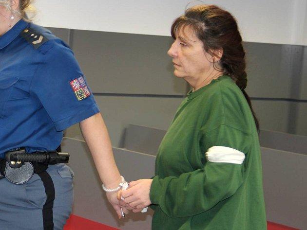Eva Slováková obžalovaná z vraždy svého druha u krajského soudu v Olomouci