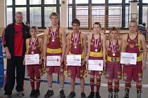 Olomoučtí boxeři: trenér Musil, Krejčiřík, Černý, Polakovič, Wiedermann, Jindra, Daniel, /Baláž – chybí/
