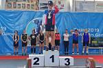 Julie Švecová získala zlato ve vzpírání a stříbro v judu.