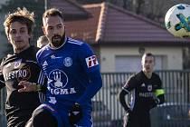 Milan Lalkovič (v modrém)
