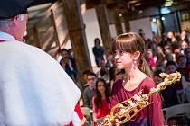 V Pevnosti poznání zněly slavnostní fanfáry a děti skládaly imatrikulační slib