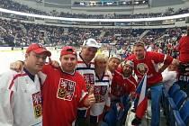 Olomoučtí fanoušci před závěrečným mačem Česka proti Švédsku v Minsk Areně.