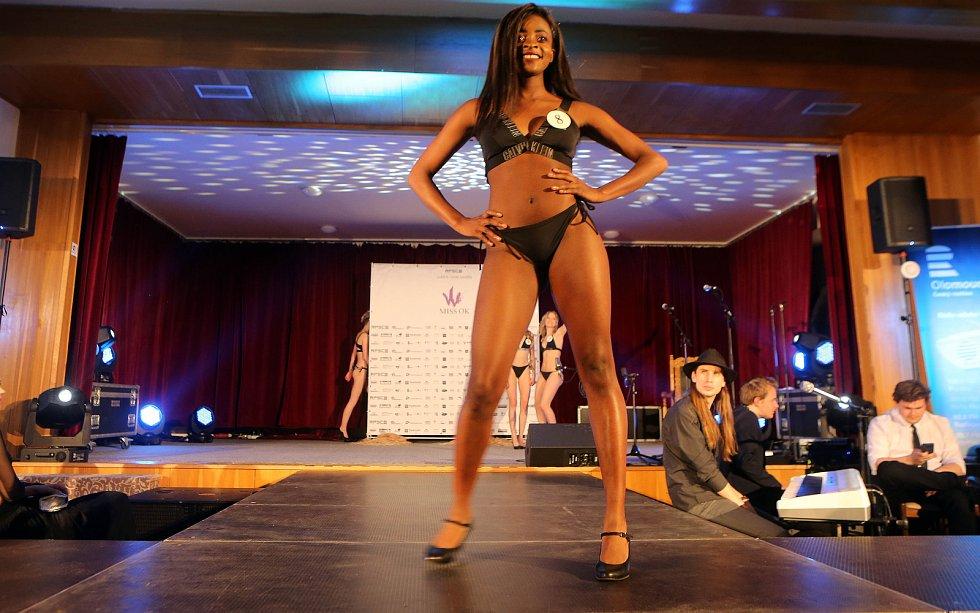 Solange Tshisekedi. Semifinále 6.ročníku soutěže Miss OK ve Velké Bystřici.