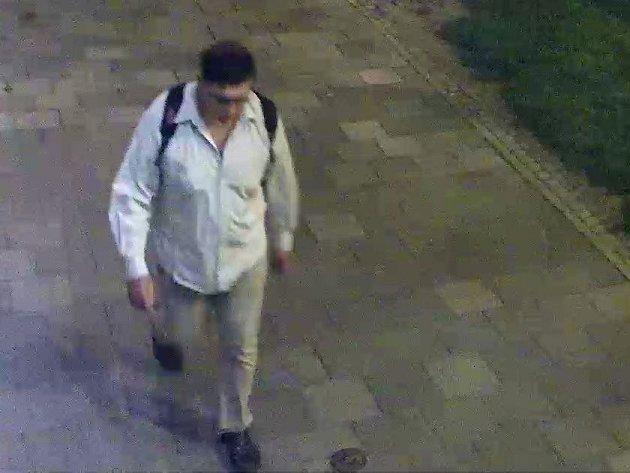 Dopadený pachatel znásilnění mladíka v Olomouci, kterého krátce před činem zachytila kamera na Masarykově třídě