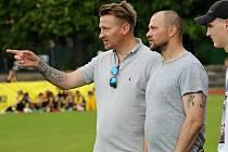 Marek Heinz (vlevo) a Tomáš Ujfaluši na turnaji mladých fotbalistů v Šumperku v květnu 2019