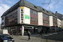 Na místě olomoucké Koruny stál dříve hotel U Bílého koníčka, později Hotel Přerov..