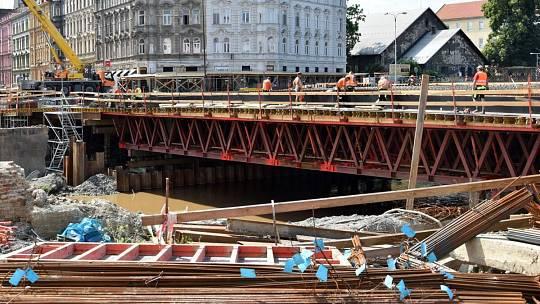 Stavba mostu v Komenského ulici v Olomouci, 17. června 2019