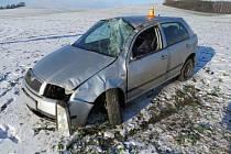 Nehoda na náledí u Dobromilic