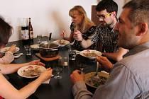 Společný oběd české a ukrajinské rodiny v Olomouci v rámci projektu Rodina Odvedle