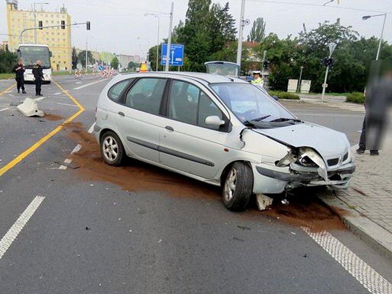 Havárie opilého řidiče ve Velkomoravské ulici v Olomouci