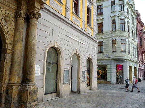McDonald´sse ze Salmova paláce vcentru Olomouce vystěhoval koncem září 2015