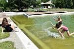 Osvěžení v bazéncích olomouckého Rozária, 26. 6. 2019