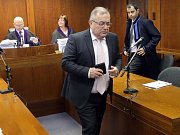 František Tuhý, bývalý generální ředitel zkrachovalého OP Prostějov, u Vrchního soudu v Olomouci