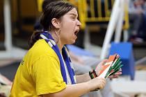 Fanynka basketbalového Olomoucka na zápase NBL v olomoucké Čajkaréně