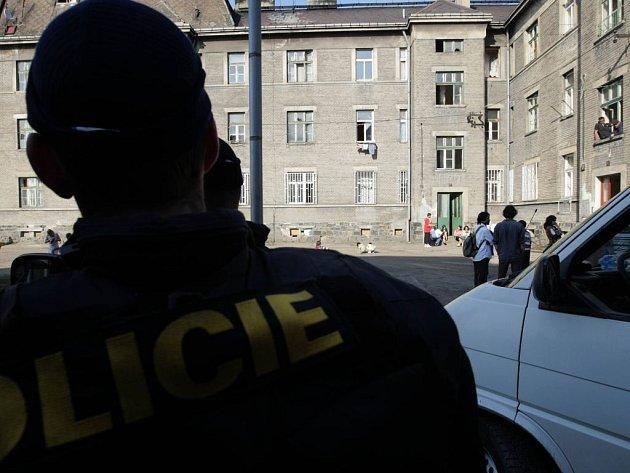 Policejní hlídka v Kojetínské ulici