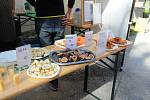 Festival plný netradičních pokrmů Extreme food festival v areálu Letního kina v Olomouci. Exotické a tropické ovoce.