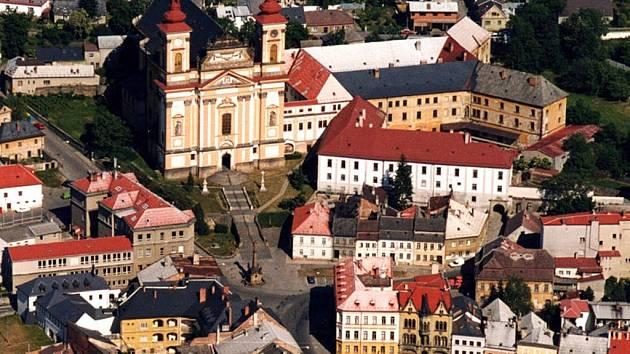 Kostel Zvěstování Panny Marie ve Šternberku. Ilustrační foto