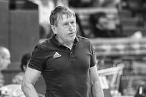 Zemřel volejbalový trenér Jiří Teplý.