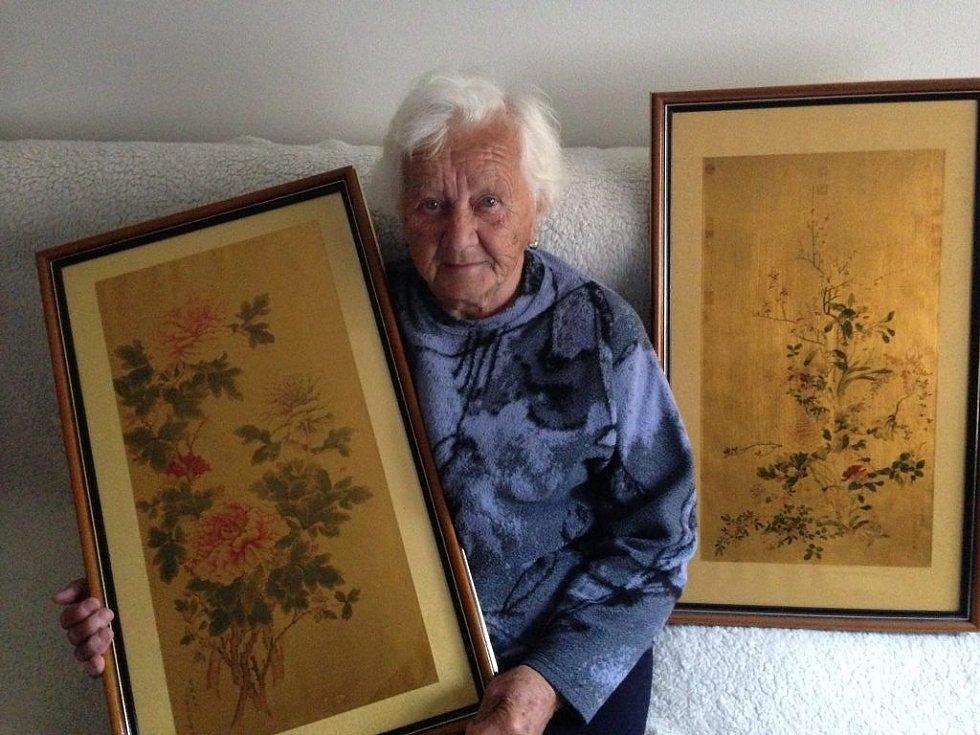 Jarmila Zbořilová se setkala s Václavem Havlem po povodni v roce 1997. Prezident slíbil, že jí pošle obraz, aby si mohla svůj domov zkrášlit. Poslal dva, které jí doma visí dodnes.