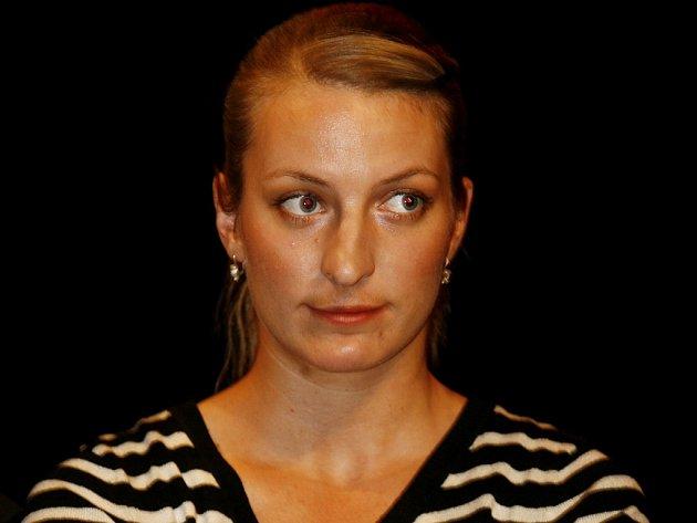Dcera Bolka Polívky Anna v představení Nejmenší žena na světě.