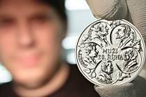 Muži 28. října - rub medailonu