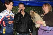 Martina Sáblíková pokřtila v olomoucké zoo mladého lenochoda
