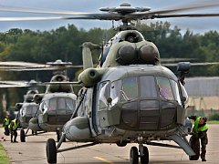 Vrtulníky  Mi – 171š na letišti v Bochoři