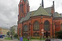 Tzv. červený kostel v centru Olomouce nyní slouží jako depozitář Vědecké knihovny