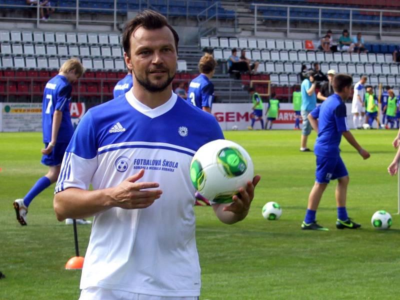 Tomáš Ujfaluši na zahájení Fotbalové školy Romana a Michal Hubníka