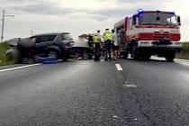 Záchranáři a hasiči zasahují u tragické nehody u Horní Moštěnice na Přerovsku