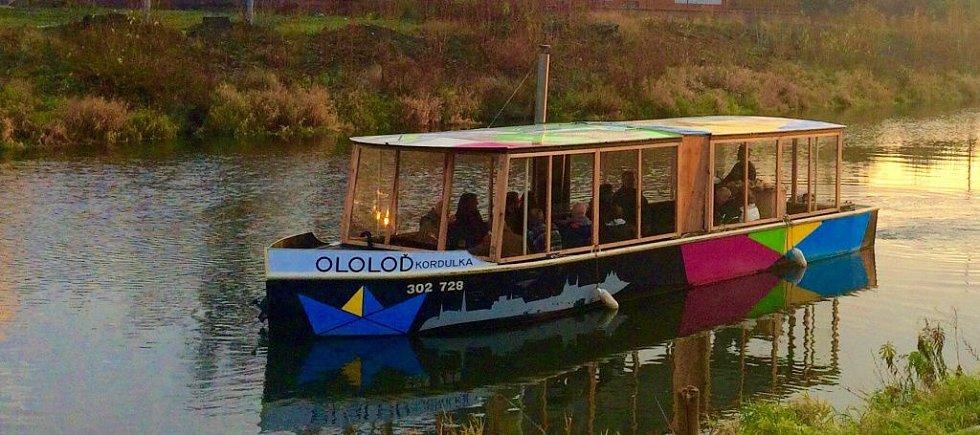 Adventní punčové plavby Ololodí na řece Moravě v Olomouci